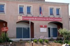 Nouvelle entrée des locaux de la communauté de communes de Petite Camargue