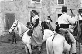 Fanfonne aux Saintes-Maries de la mer en 1910 (Col. Robert Faure)